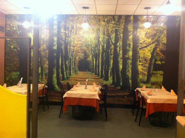 Gigantografia presso pizzeria Quick centro commerciale alpe adria