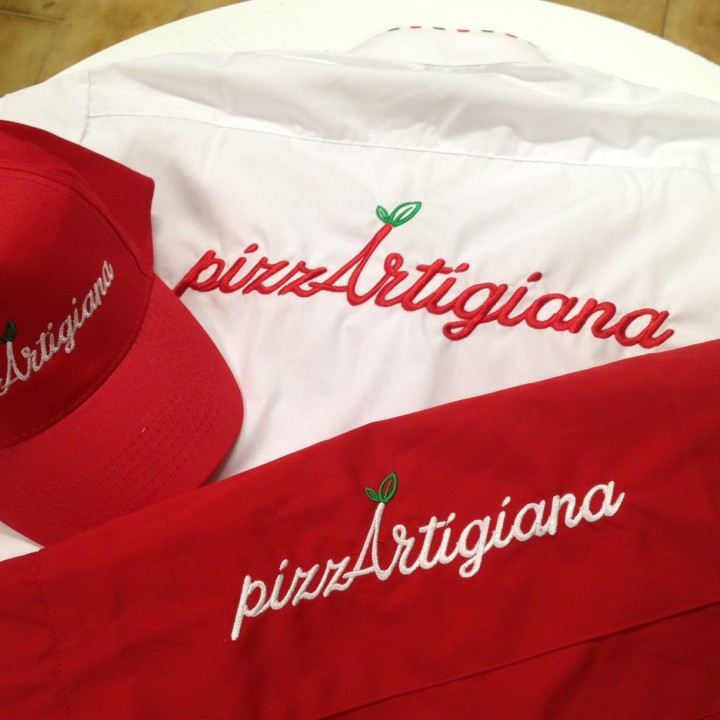 Abbigliamento da Lavoro Personalizzato con ricamo: Pizza Artigiana